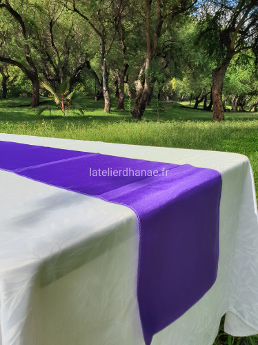 Location chemin de table satin VIOLET
