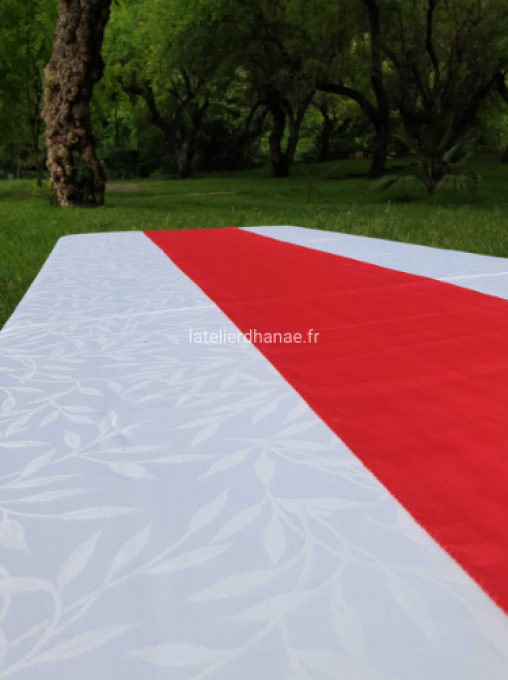 Chemin de table en Satin Rouge